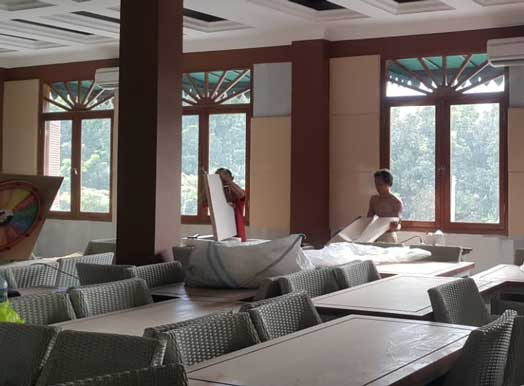 Pemasangan Panel Akustik Arc Fabric Acoustics Wall pada Restaurant di Bogor