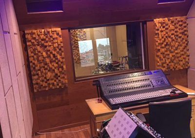 pemasangan-panel-akustik-skyline-diffuser-studio-musik-recording