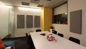 peredam suara ruang meeting/rapat