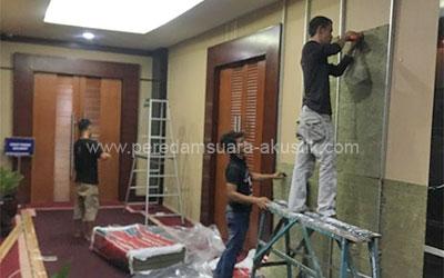 Pemasangan Pintu Peredam Suara dan Peredam Suara pada Partisi Ruangan Gedung Kementerian Keuangan RI