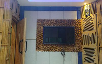 Pembuatan Ruang Siaran dan Ruang Editing Studio pada Indika FM daerah Kemang Jakarta Selatan