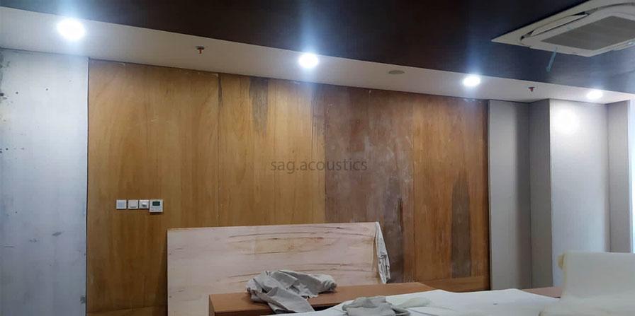 pemasangan panel akustik